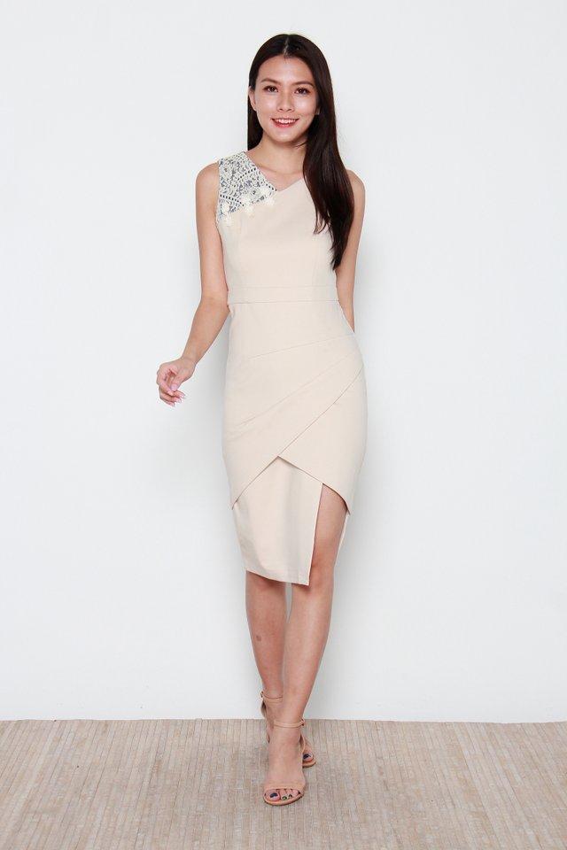 Nariko Asymmetric Dress in Cream