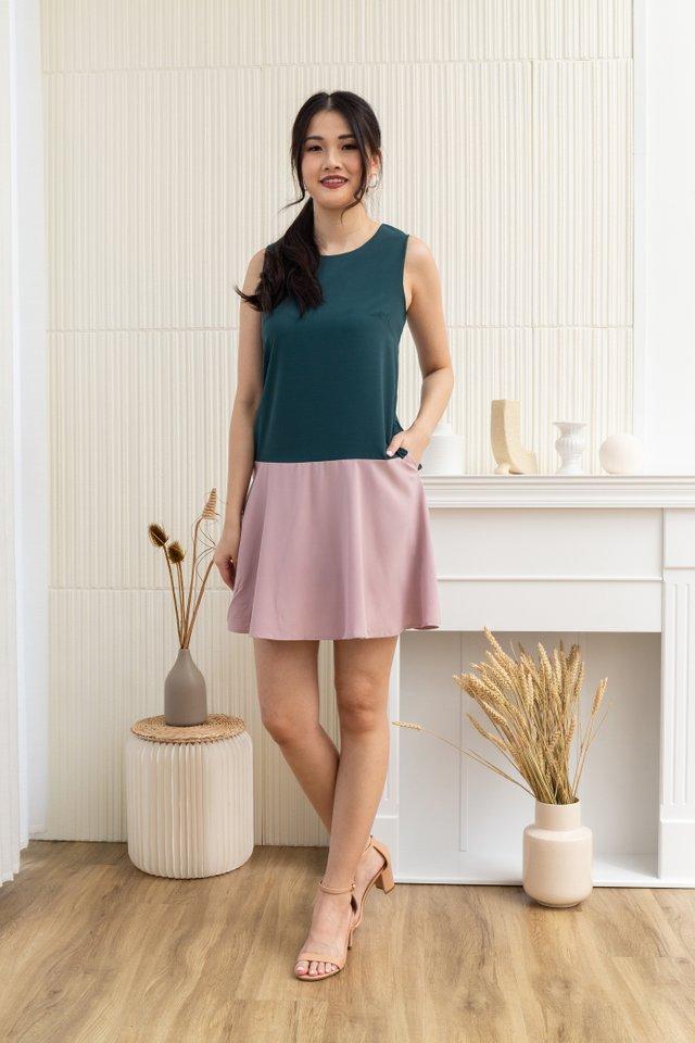 Vada Sleeveless Colourblock Mini Dress in Forest/Pink