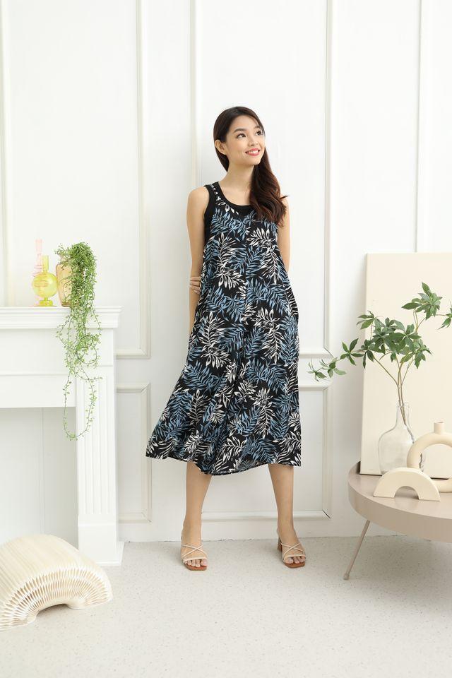 Ferda Slip On Tropical Print Jumpsuit in Black