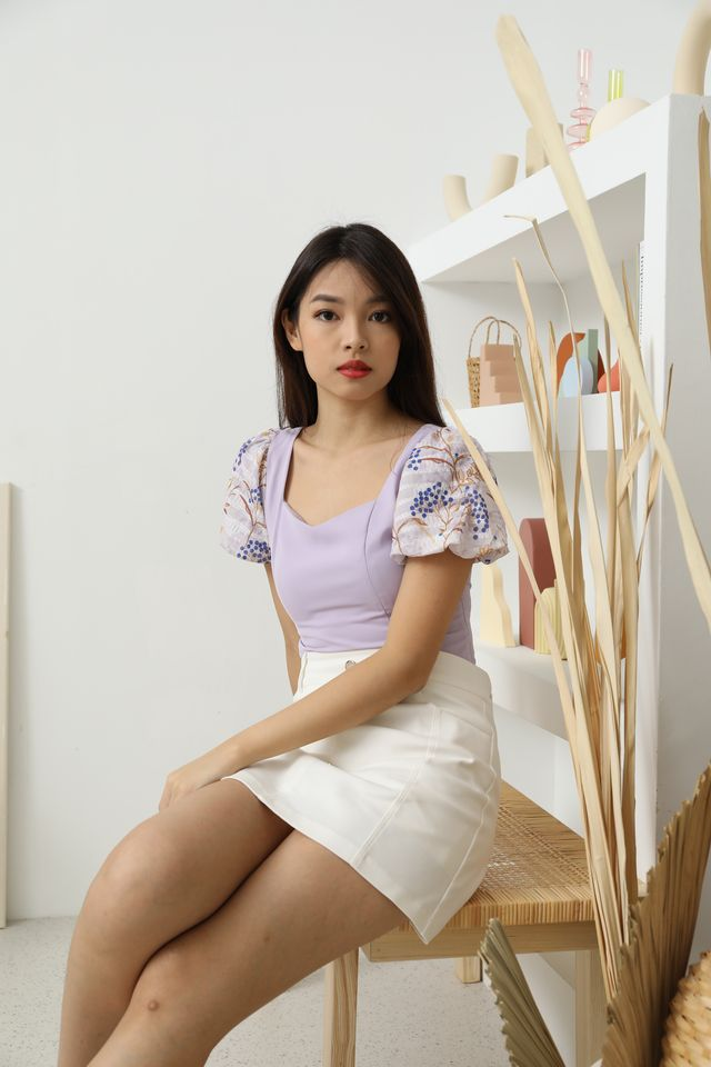 Arella Floral Puffy Sleeves Top in Lavender