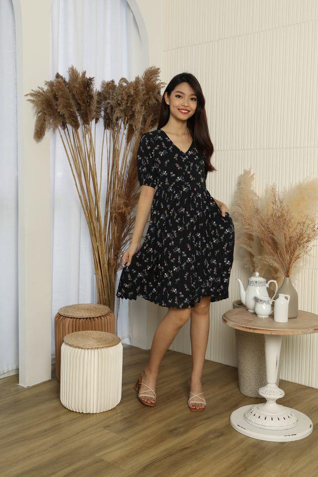 Zinnia Button Down Pleated Dress in Black